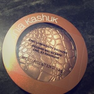 Sonia Kashuk Chic luminosity bronzer